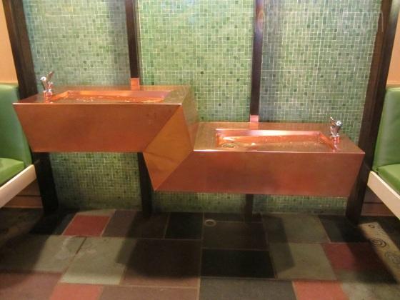 lobby_fountain